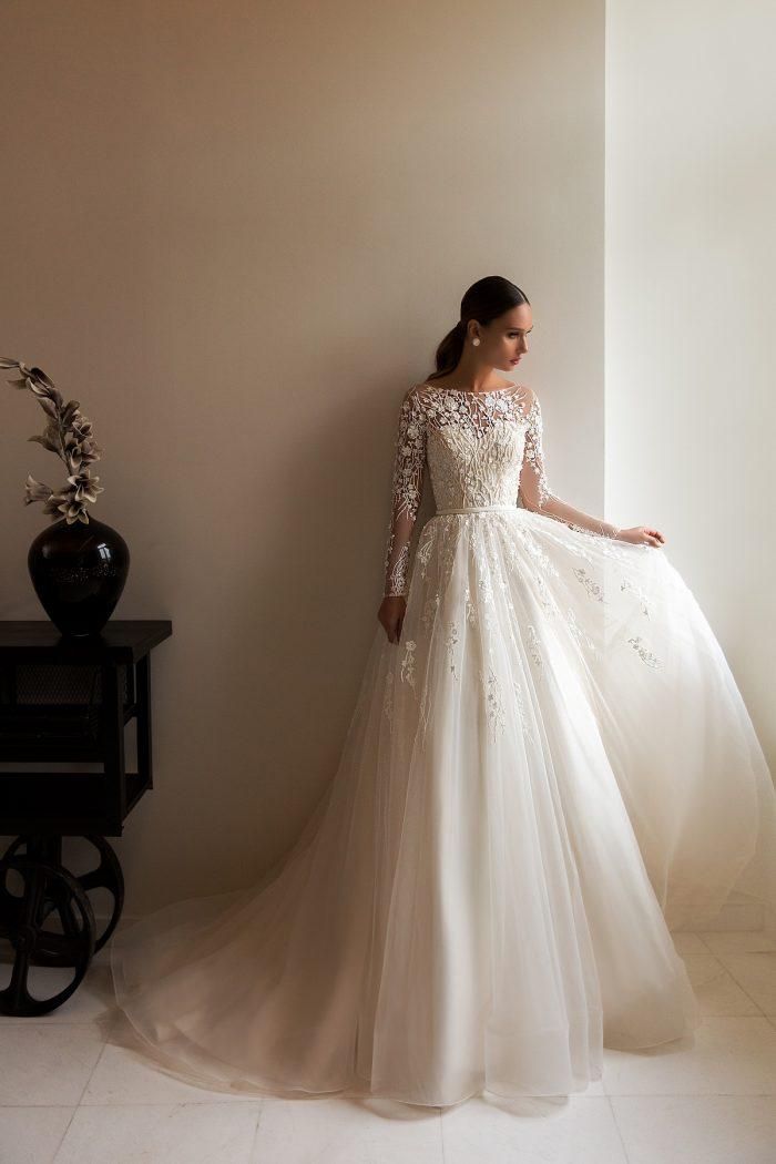кружевное свадебное платье с рукавом Roksanny