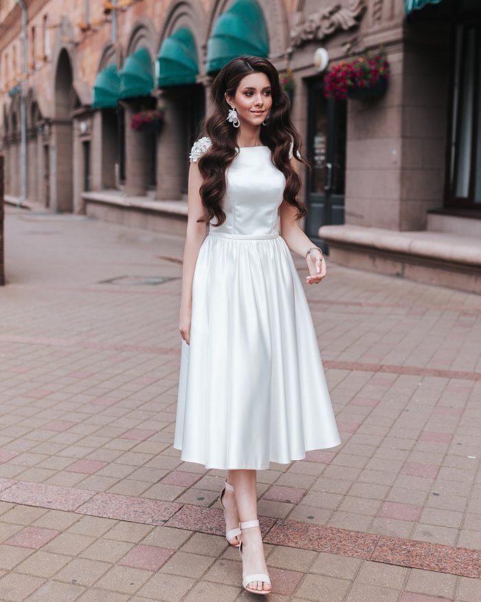 атласное свадебное платье длина миди