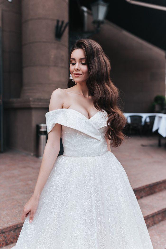 блестящее пышное свадебное платье