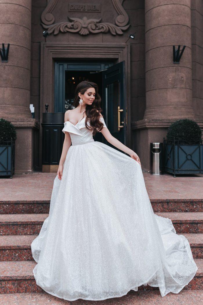 блестящее свадебное платье пышное
