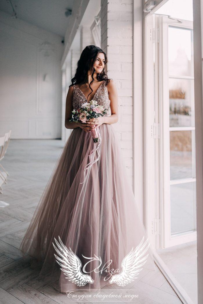 вечернее платье цвета капучино