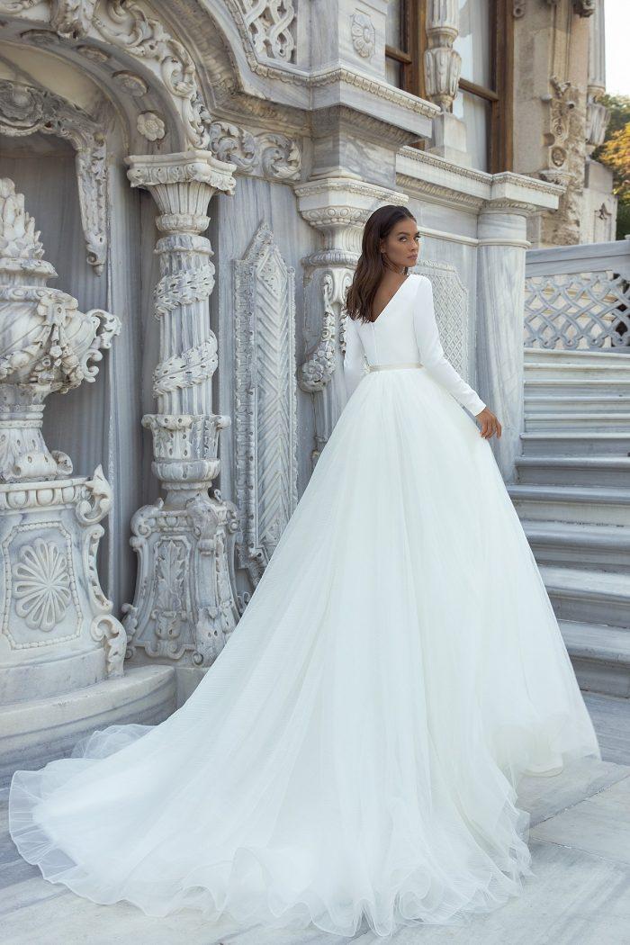 простое атласное свадебное платье Haven