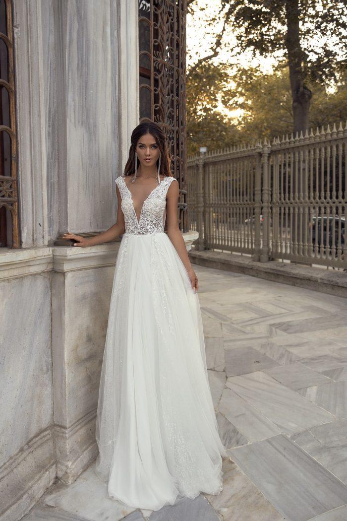 свадебное платье с кружевом Cadence
