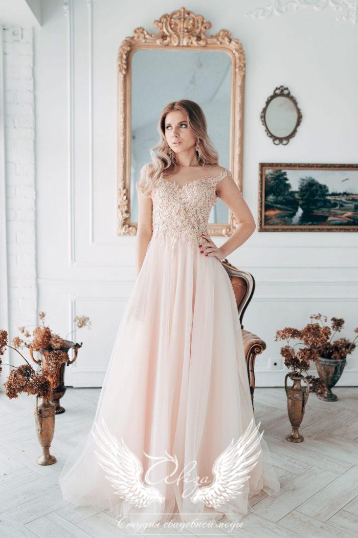 персиковое платье длинное в пол