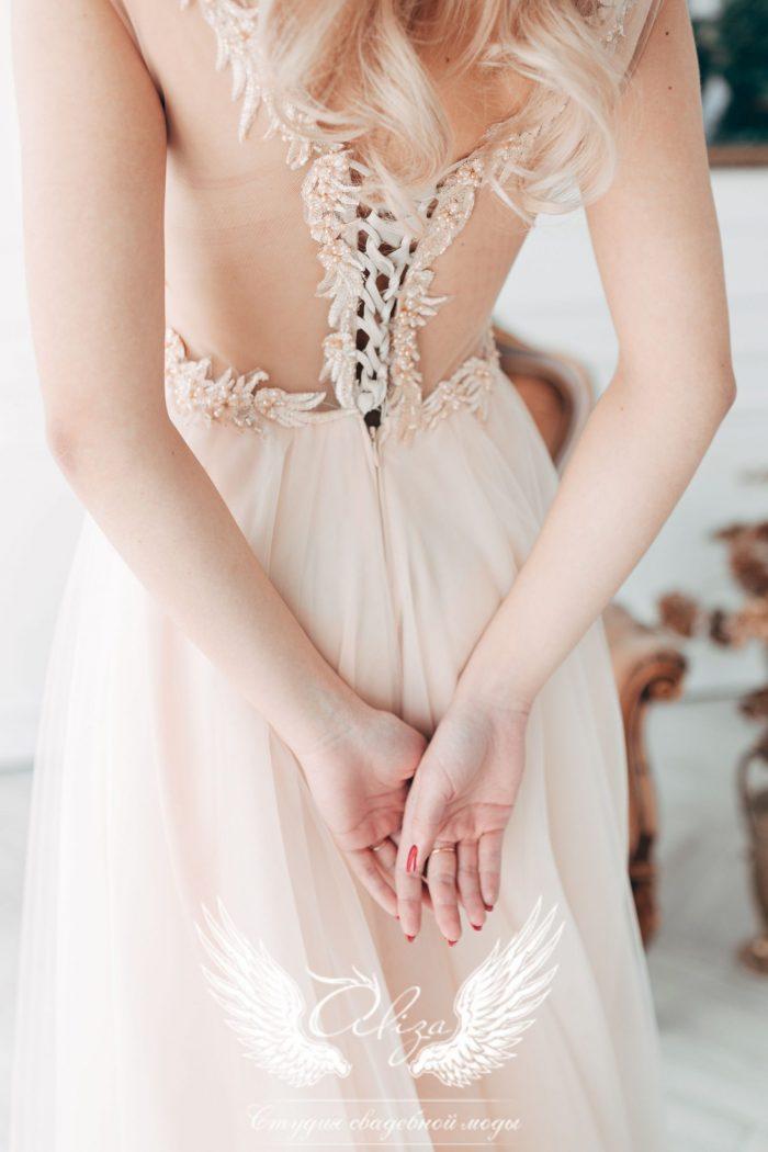 вечернее платье с красивой спинкой