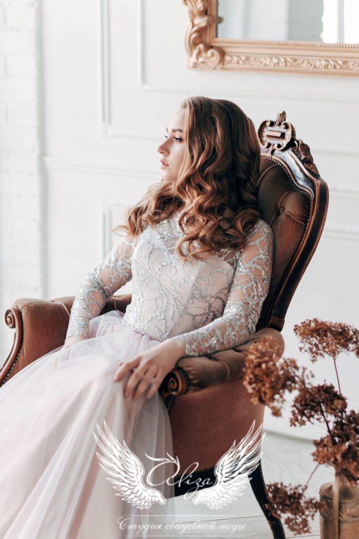 вечернее длинное платье с рукавами