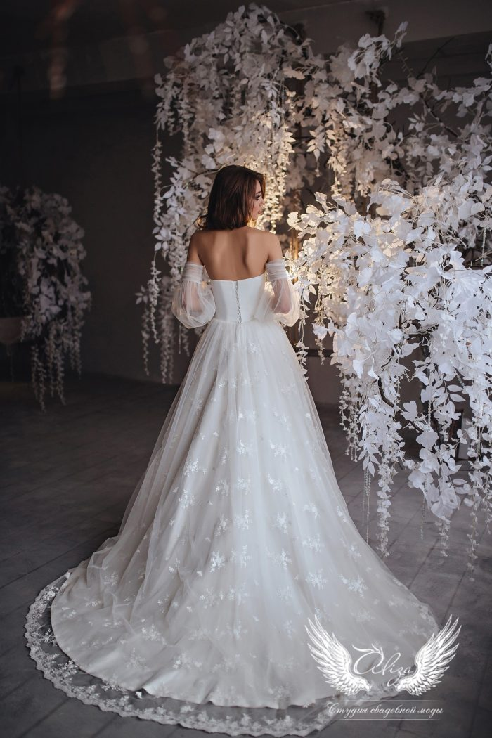 нежное платье со съемными рукавами