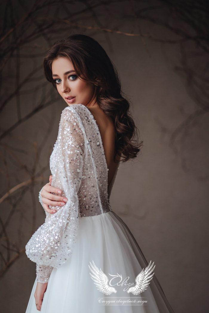 свадебное платье с рукавами и пайеткой