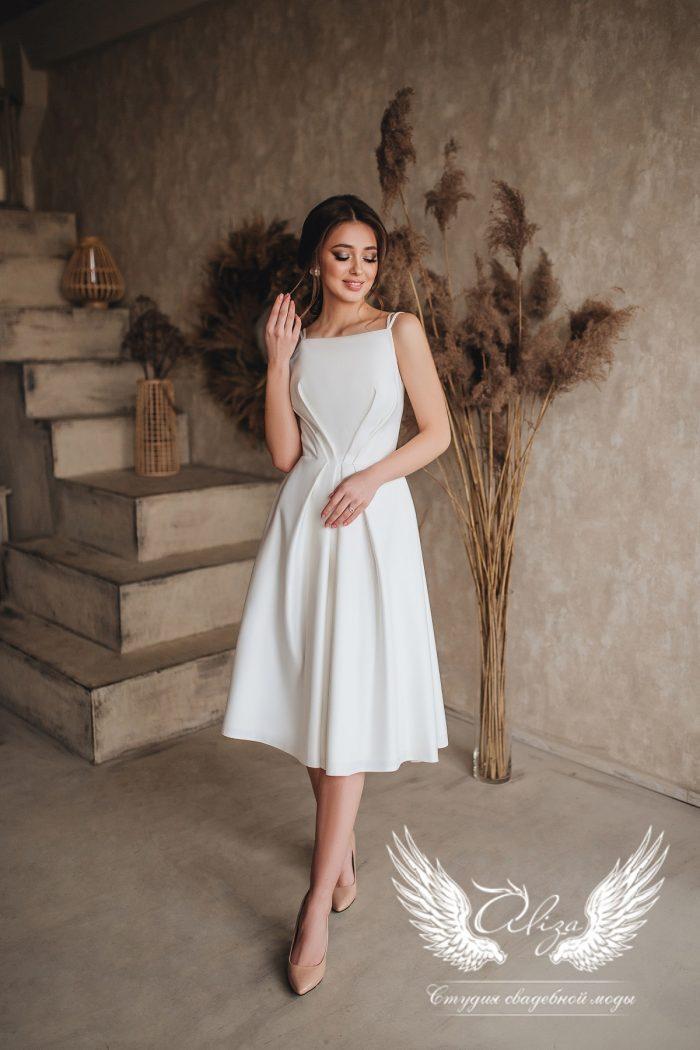 платье в стиле минимализм в миди