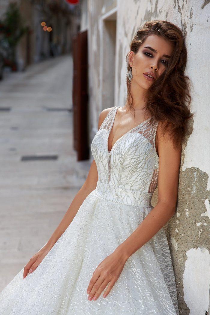 свадебное платье с красивым блеском