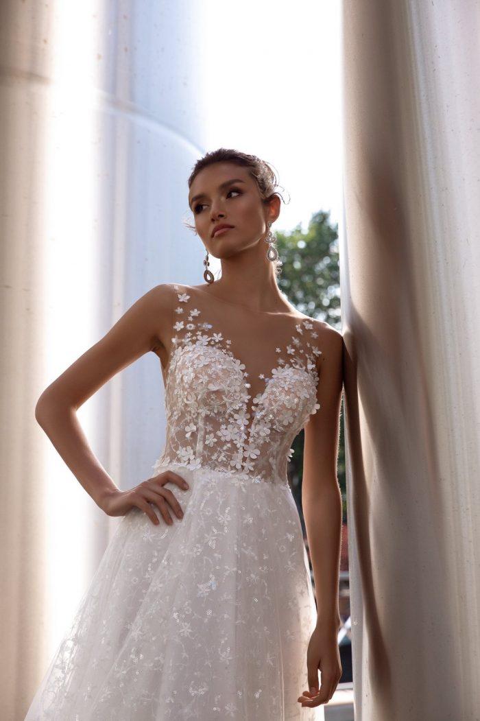 свадебное платье с нежным кружевом цвет капучино