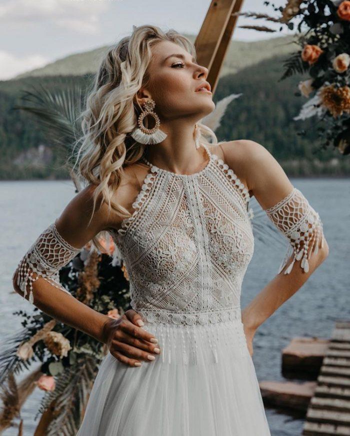 свадебное платье молочного цвета в стиле бохо