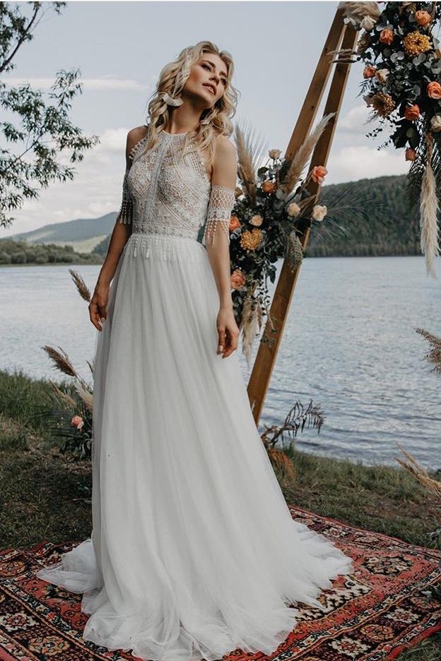 свадебное платье с нежным кружевом макраме