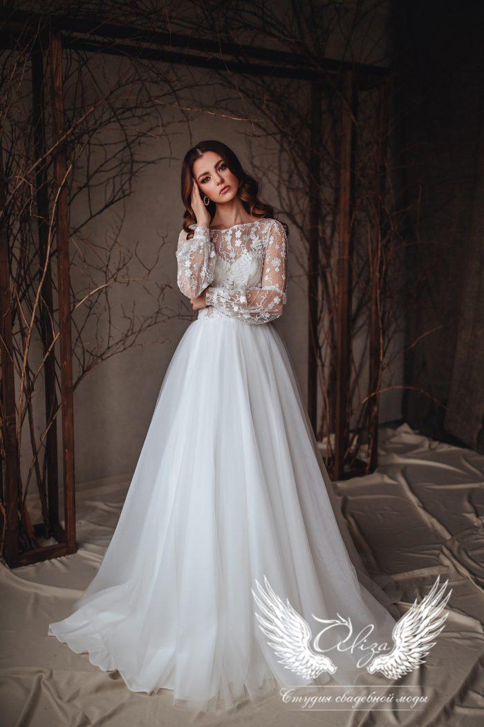 свдебное платье молочного цвета с рукавами