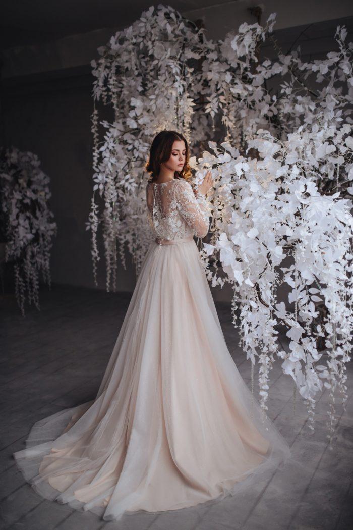 свадебное платье с напуском