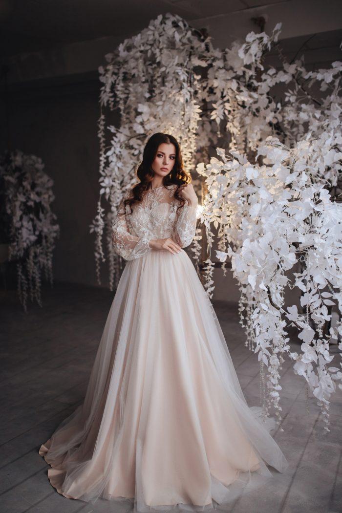 Корсетное свадебное платье А-силуэта