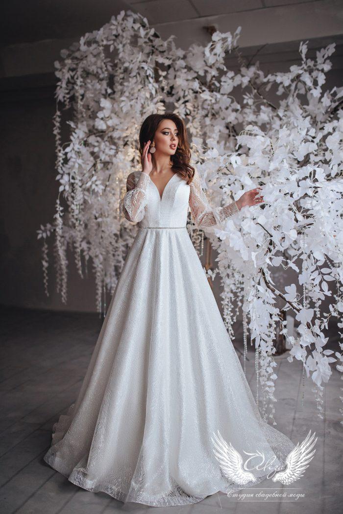 свадебное платье из глиттера молочного цвета